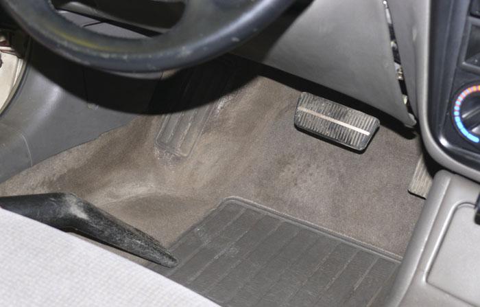 Очистить ковролин в машине